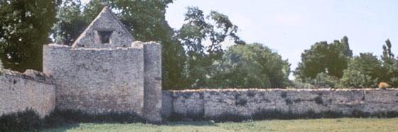 Kelmscott Manor wall