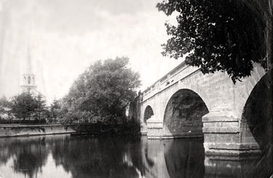 Photograph of Wallingford Bridge and Church
