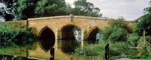 Photograph of Radcot Bridge