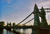 Photograph of newer Hammersmith Bridge